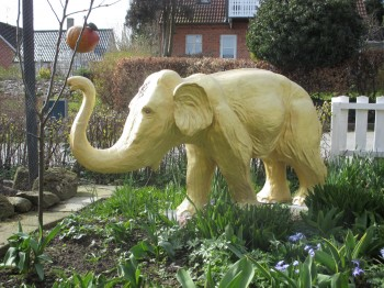 The One Dollar Dream - den gyldne elefant i Gl. Rye/the golden elephant in Gl. Rye