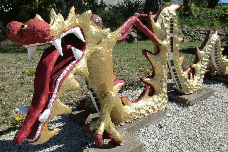 Drage-skulptur i haven, B&B Gl. Rye